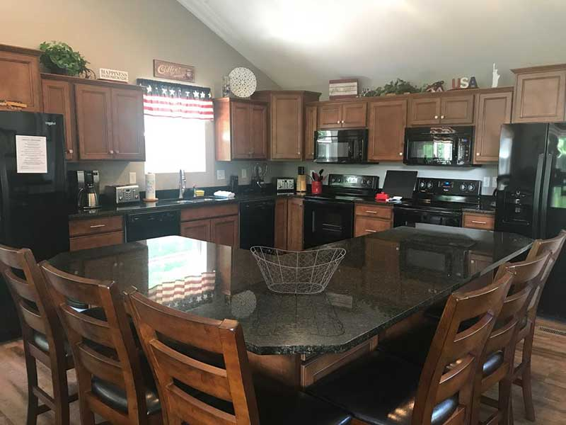Norris Lake Properties | American Spirit; Norris Lake House Rental | Eat in kitchen