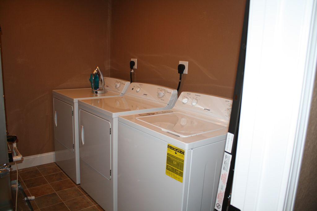 Norris Lake Properties   Hidden Treasure; Norris Lake Cabin Rentals   Laundry Room