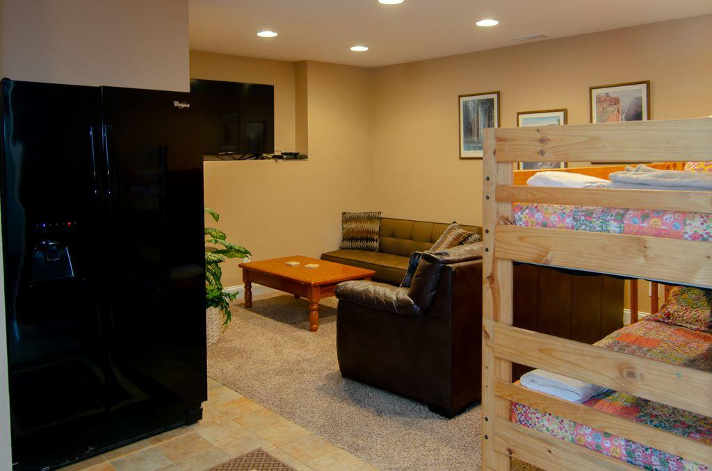 Norris Lake Properties   Hidden Treasure; Norris Lake Cabin Rentals   Family Room