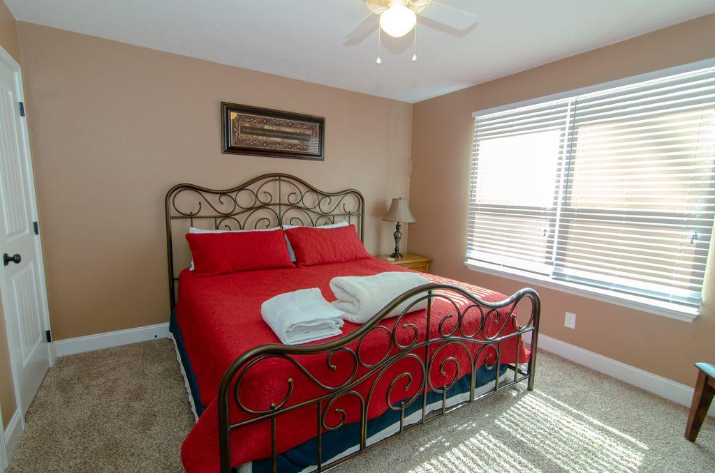 Norris Lake Properties   Hidden Treasure; Norris Lake Cabin Rentals   Bedroom