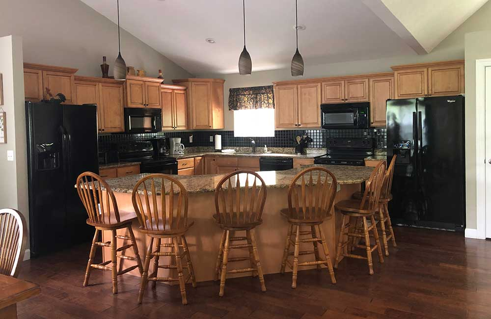 Norris Lake Properties | Crescent Moon; Norris Lake House Rental | Eat in Kitchen